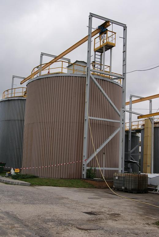 chemically resistant, covering, inside the tanks, rectangular, circle, horizontal plastic tanks, steel, concrete, modernization, renovation, resistance, chemical fluids, liquids, company europe, east western, Wykładzina, chemoodporna, zbiornik, emulsji olejowej