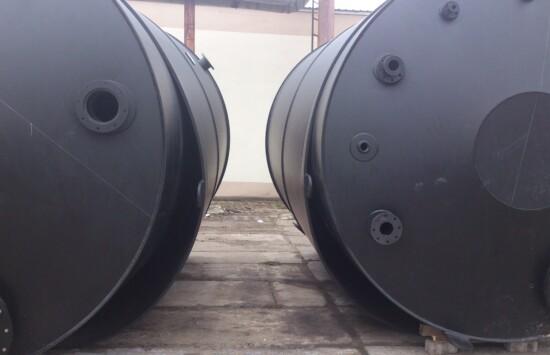 Zbiorniki dwupłaszczowe z certyfikatami UDT – zbiorniki  z tworzywa sztucznego na specjalne zamówienie