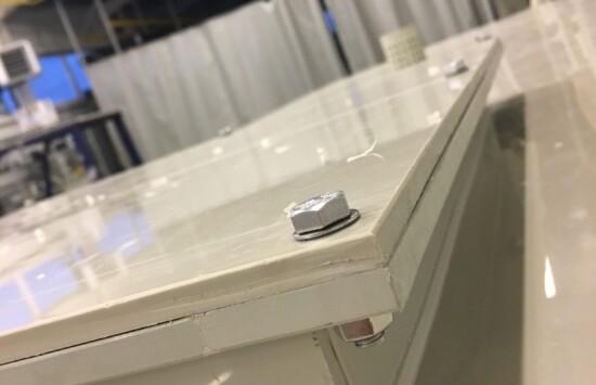 Spawanie tworzyw sztucznych – certyfikowani przez Urząd Dozoru Technicznego spawacze dokonują wszelkich usług spajania, napraw urządzeń tworzywowych, wykonywania skomplikowanych projektów