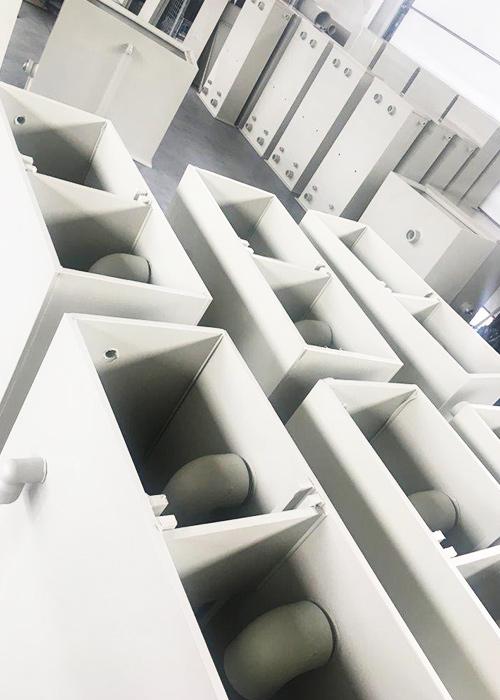 Zbiorniki chemoodporne na glikol stosowane w agregatach chłodniczych