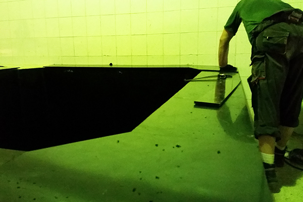 Montaż izolacji zbiornika do kiszenia w przedsiębiorstwie kwaszalniczym - naprawa silosów do kiszenia