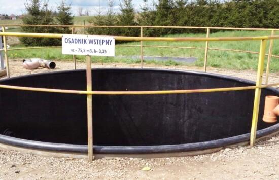 Jak dokonać renowacji skorodowanego stalowego zbiornika na oczyszczalni ścieków za pomocą wykładziny z tworzywa