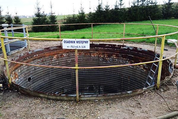 opróżniony skorodowany przeciekający zbiornik kto dokona renowacji