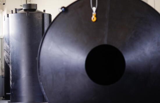 Odporność chemiczna tworzyw PE iPP w kontekście projektowania i produkcji zbiorników chemoodpornych