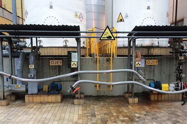 producent zbiorników na chemikalia wyposażenie w urządzenia napełniająco opróżniające stacja uno