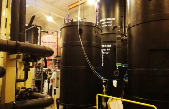 Zbiorniki do przetaczania mas jonitowych na SUW w elektrociepłowni – projekt, produkcja, montaż