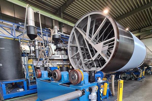 Produkcja innowacyjnych zbiorników z tworzyw termoplastycznych metodą nawojową