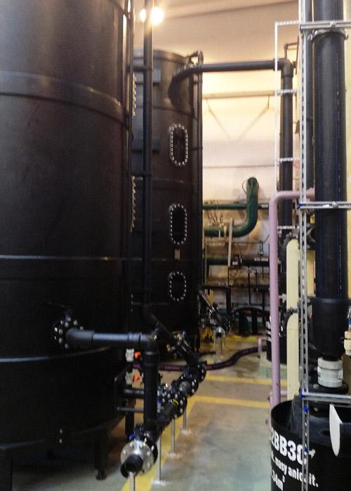 projekt produkcja i montaż zbiorników do przetaczania mas jonitowych z rurociągami i podłączeniami giętkimi do przetaczania i odpylania mas jonitowych