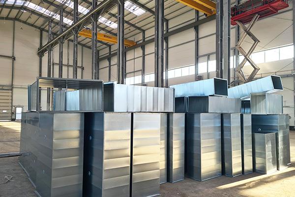 nowoczesna hala produkcyjna zbiorniki z tworzyw termoplastycznych dla przemysłu