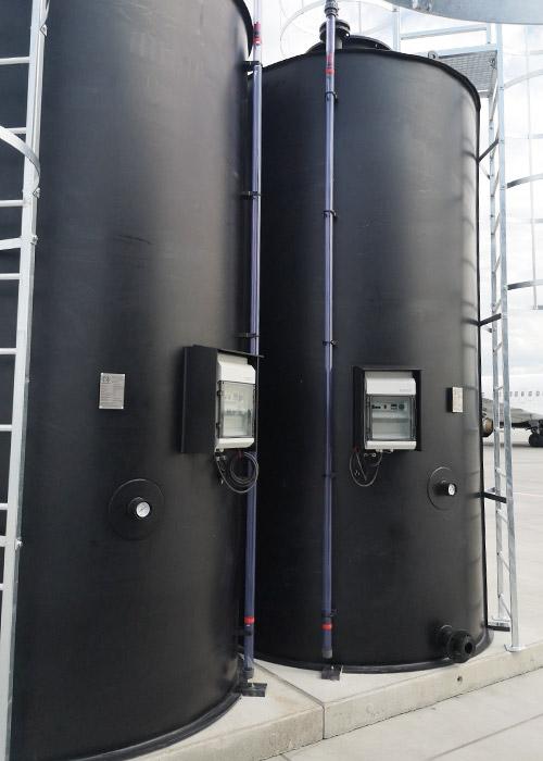 zespól zbiorników chemoodpornych na płyn do odladzania clariant zastosowanie na lotnisku